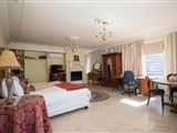 Cricklewood Manor Boutique Hotel-356065