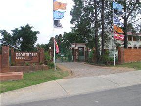 Crowthorne Lodge Photo