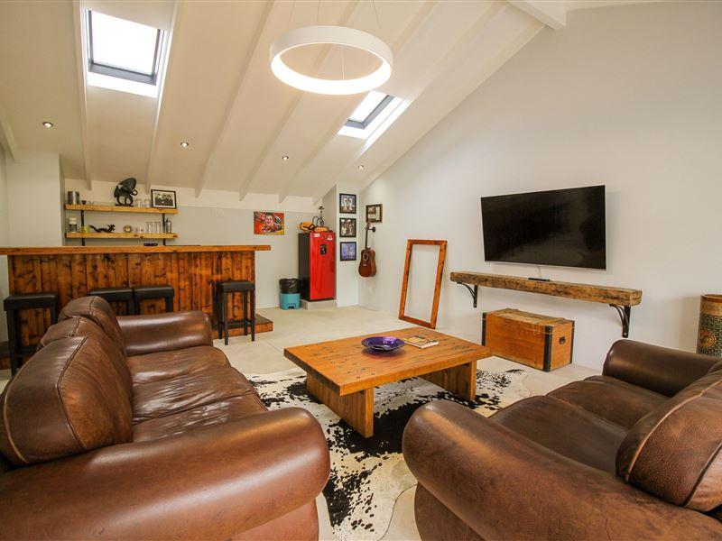 Wader House - SPID:3736579