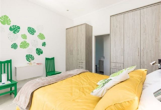 The Poplar Sunny En-suite