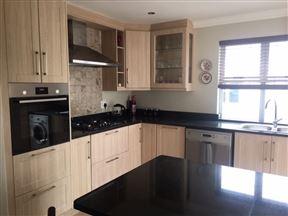 3 Bedroom House in Kingswood Golf Estate