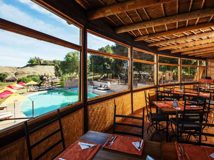 Felix unite orange river cabana 39 s for Felix s fish camp restaurant