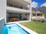 Cape Blue Holiday Villa Camps Bay