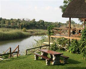 River Bank Lapa Photo