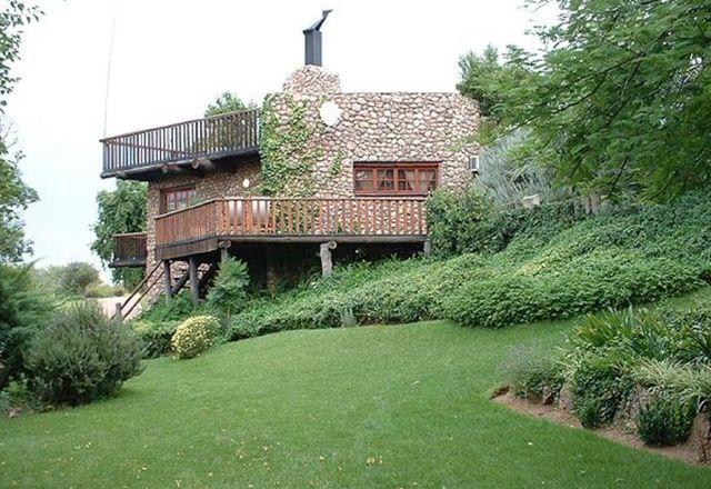 Naftali River House