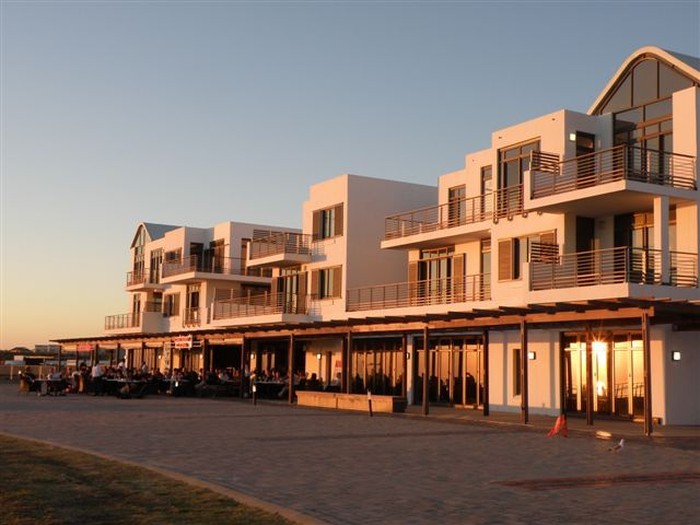 town of eden bay Self catering in bloubergstrand / 114 eden on the bay is a delightful two bedroom apartment situated close to the famous beach of big bay cont.