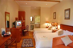 Oak Lodge Guesthouse Photo