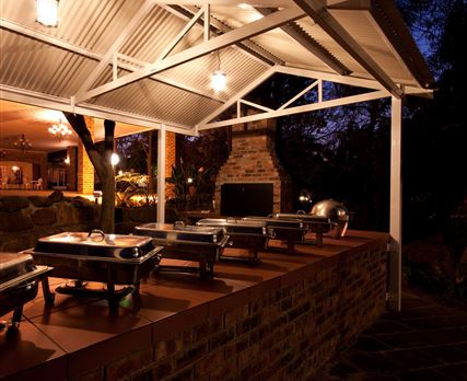 Braai and buffet area