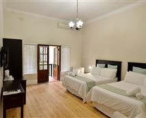 Rooms with 2 double beds © Madeline Grove Bed and Breakfast
