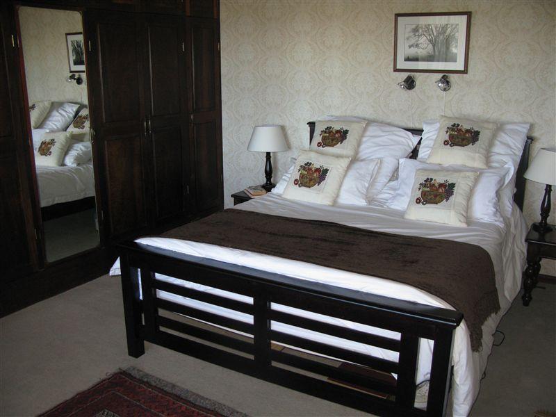 128 Miller Street Gordons Bay Accommodation