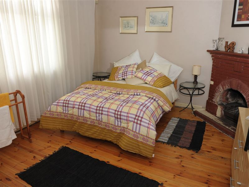 Goodwood Cape Town Bed And Breakfast