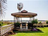 Flamingo's Nest Guest House & Conference Centre