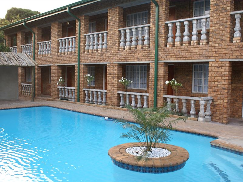 Emerald guest house kempton park accommodation in Parks with swimming pools in johannesburg