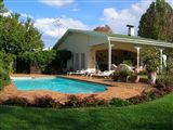 Stocklands Farm   Bed &  Breakfast accommodation