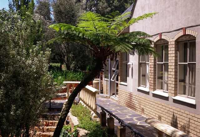 Eagles View Guest House & Conference Centre