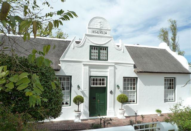 Rothman Manor De Luxe Guest Retreat