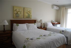 Accommodation At Potch Guest House Photo