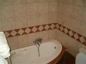 Emagudu Guest House image3