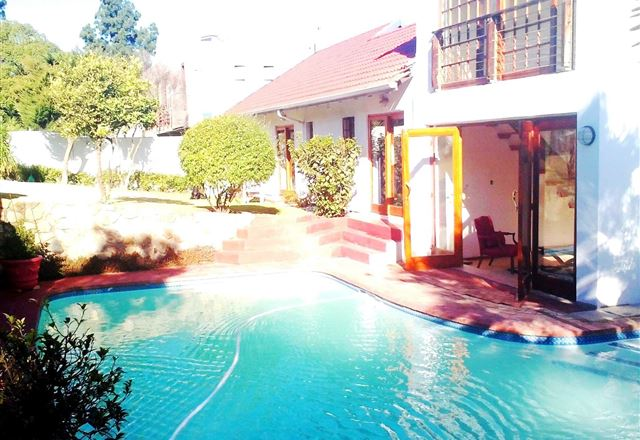 Mizizi House of Sandton Bed & Breakfast
