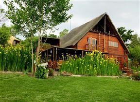Thula Manzi Guest Lodge Photo