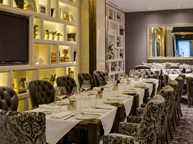 African pride melrose arch hotel johannesburg your cape for Best private dining rooms cape town