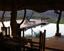 A view over the pool and deck from the lapa