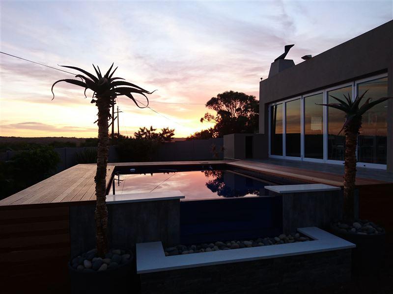 Sergel 39 s luxury holiday home glen eden in chintsa for Home decorations glen eden
