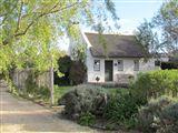 B's Cottage- Stanford