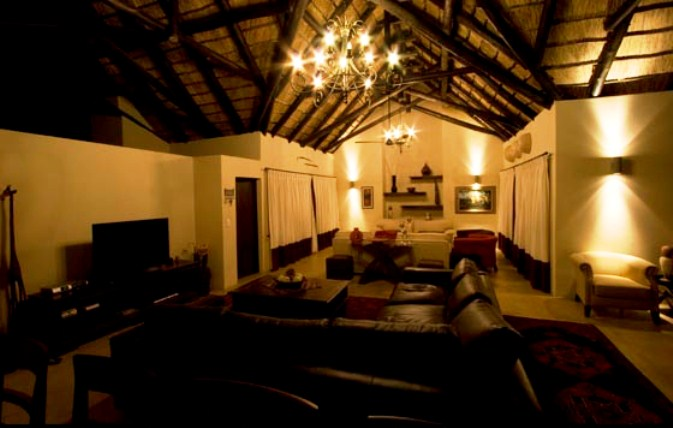 & Buffalo Thorn Lodge | Romantic Weekend Getaway