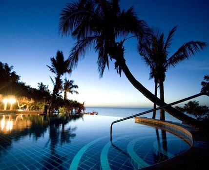 Pool at night © Rani Resorts