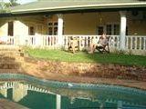 Macadamia Lodge