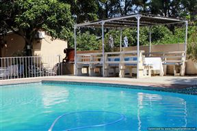 Trix Bed and Breakfast - SPID:815468