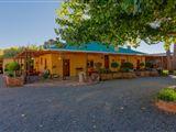 GaMamadi Guest Farm-828411