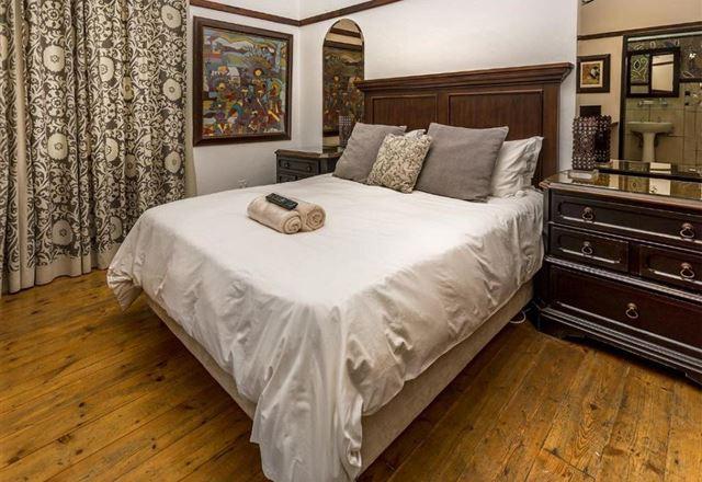 Izimbali Lodge and Restaurant