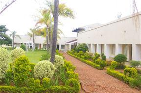 Naledzi Lodge