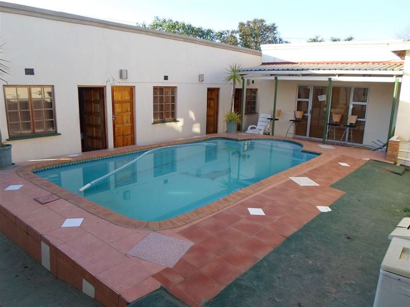 Muriels Guest House Fort Gale Accommodation And Hotel Reviews