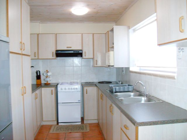 Walkerview apartments affordable weekend getaway for Affordable kitchens gauteng