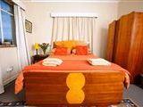 Travellers Lodge - Cape Dutch Quarters