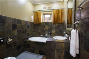 Purple Gecko Guesthouse