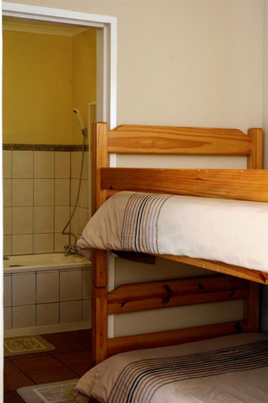 peperboom bed and breakfast victoria west your cape. Black Bedroom Furniture Sets. Home Design Ideas