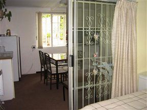 Tipuana Bed and Breakfast image0