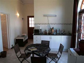 Coral Tree Cottage image0