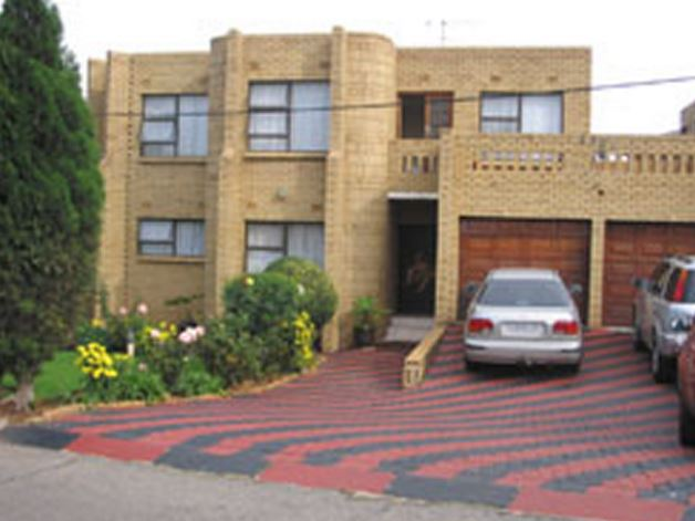 Mama Lolo S Guest House In Diepkloof 319 Iq