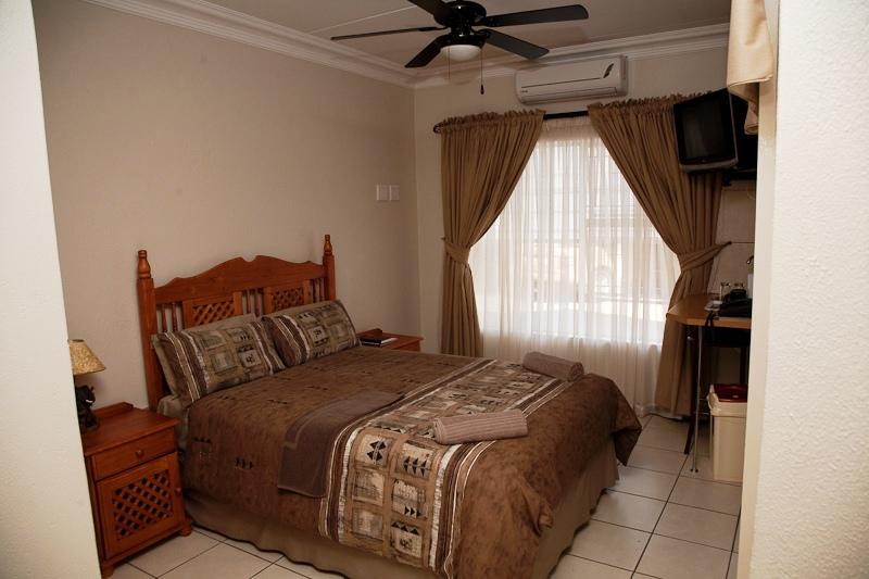 Golden Pillow Polokwane - SPID:938298