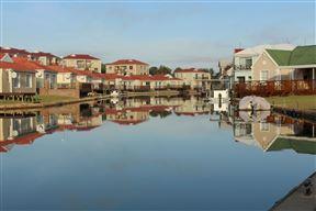 Waterside Living - Claptons Beach 16 - SPID:940669