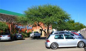 Airport Hotel, Kimberley Photo