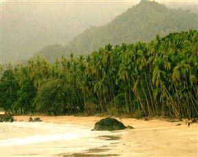 Banana Island Guest House