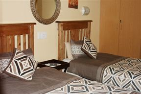 African Pride Guest House Photo
