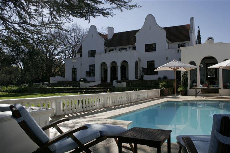 Le jardin villa in stellenbosch for Jardin hormiguita viajera villa bosch