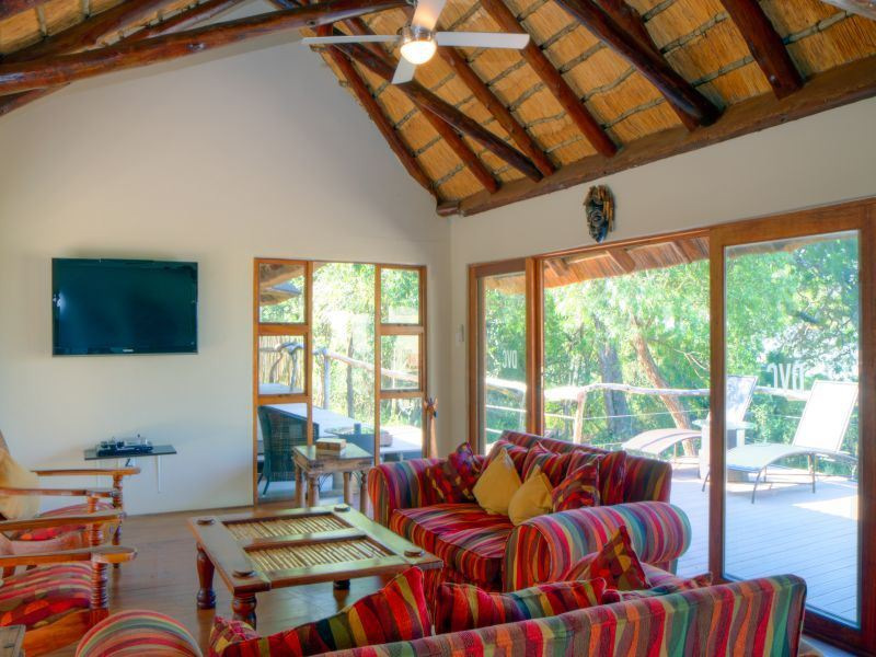 Sobhengu Lodge In Hluhluwe